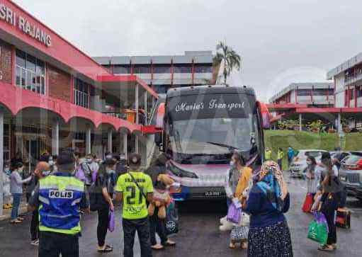UPM BINTULU STARTED TRANSPORTING STUDENTS BACK TO THEIR CURRENT CITIES